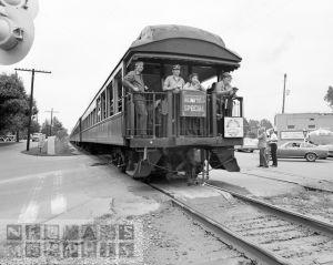 dn-71485-Train1975-11x